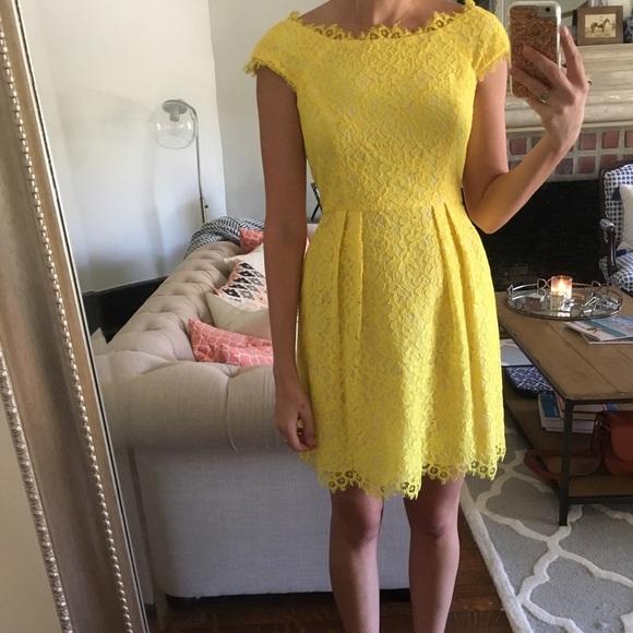 Shoshanna Dresses & Skirts - Shoshanna Yellow Lace Dress size 4